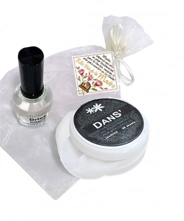 Esmalte y pétalos de uñas regalo día de la madre