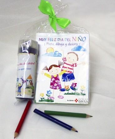 Libreta chica para dibujar -Lápices de colores regalo dia del niño