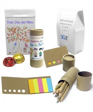 Set banderitas - lapices colores cartón reciclado en bolso regalo dia del niño