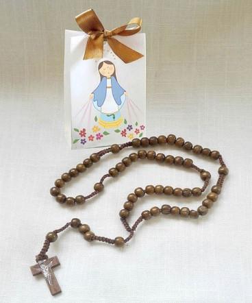 Rosario de madera en bolso regalo de confirmación