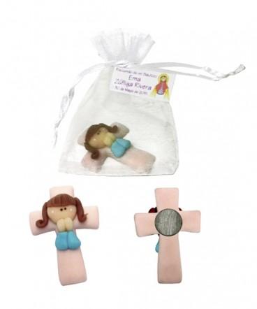 Cruz niña de cerámica imantada recuerdo Bautizo