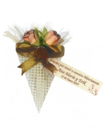 Ramo tres flores recuerdo de Matrimonio o aniversario