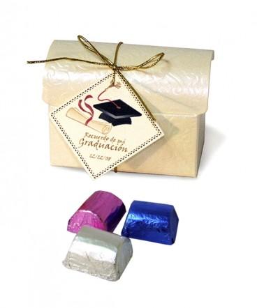 Caja perlada baul recuerdo de graduación